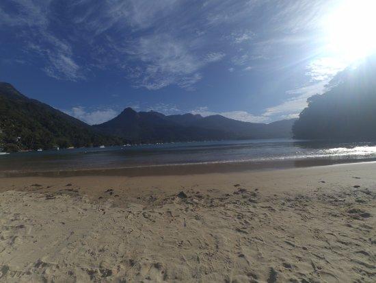 Crena Beach: Você tem toda a vista da Vila de Abraão e do Pico do Papagaio
