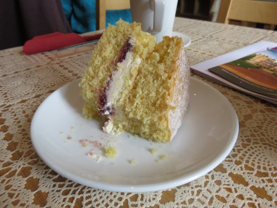 Moniaive, UK: Victoria Sponge at Glenwhisk Cafe