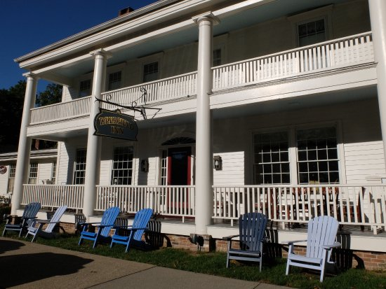 Front Porch of Deerfield Inn