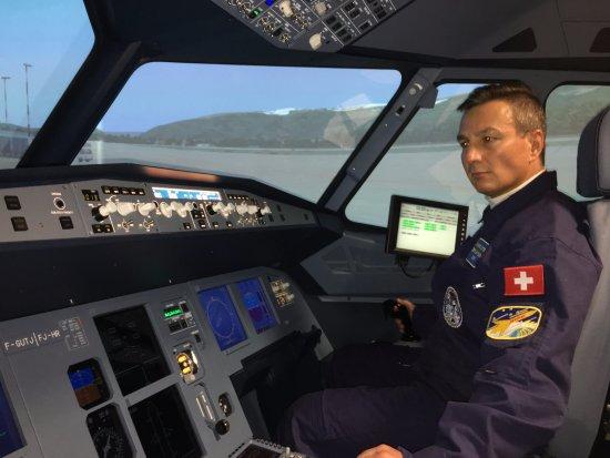 AIRBUS A320 FLIGHT SIMULATOR OF AVIASIM, NEYDENS  - Picture of
