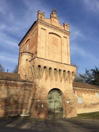 Castelfranco Emilia, إيطاليا: il portone