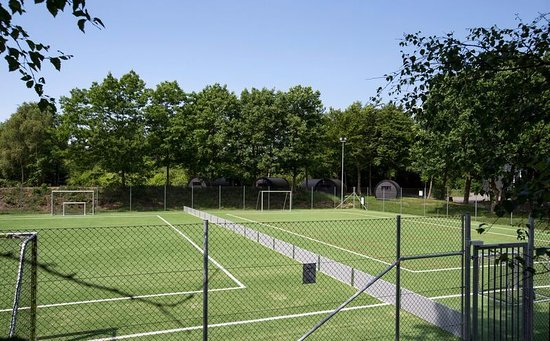 Oksbol, Denmark: Flexbane - fodbold og tennis