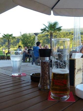 Puch, Østrig: Na 900 km lekker doorrijden wel verdiend (het restaurantje)