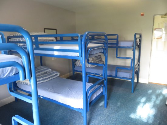 The Burren Hostel: 8 room dormitory