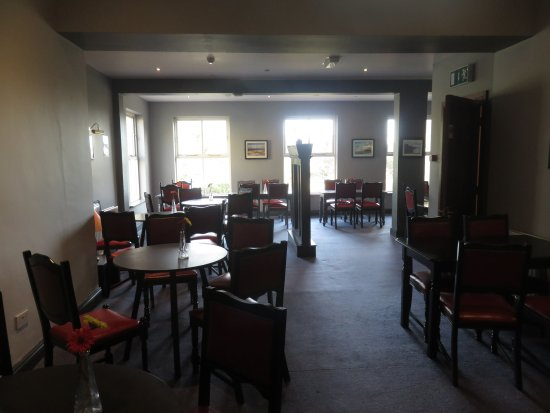 The Burren Hostel: Dining room