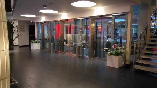 Radisson Blu Elizabete Hotel: Foyer.
