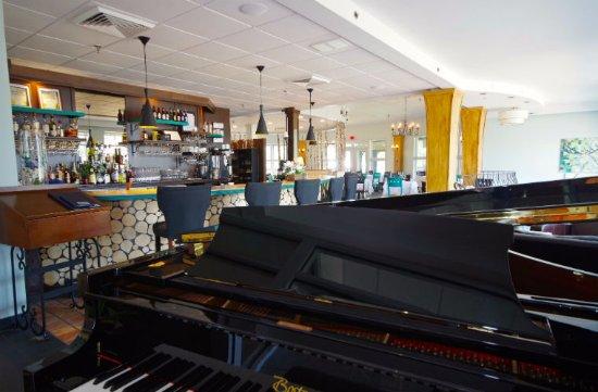 Lac-Brome, Kanada: Salle à manger du restaurant La Brise du Lac - Hôtel Suites Lac-Brôme