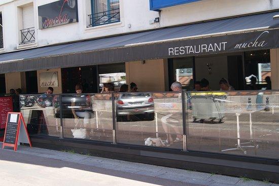 restaurant restaurant mucha dans dijon avec cuisine autres cuisines. Black Bedroom Furniture Sets. Home Design Ideas