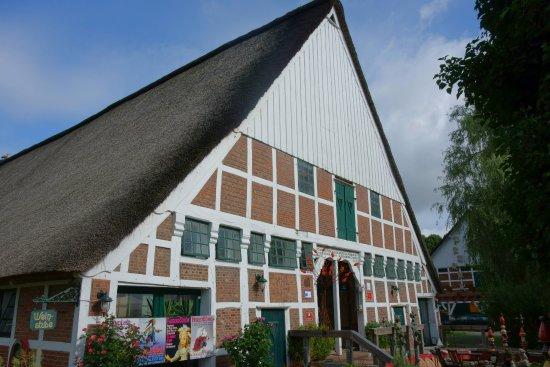 Cadenberge, Germany: Ums Haus herum