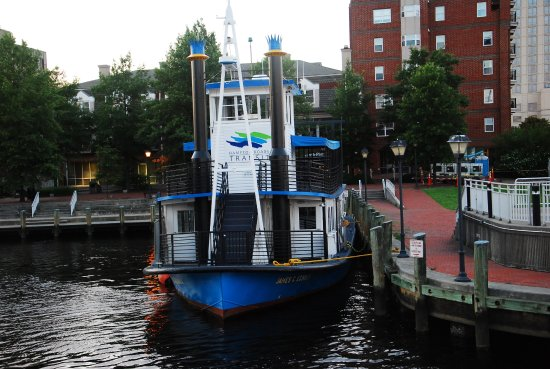 Renaissance Portsmouth-Norfolk Waterfront Hotel: Water Taxi