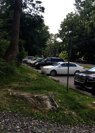 Wayne, Pensilvania: Parking at Conestoga Road ner entrance to trail