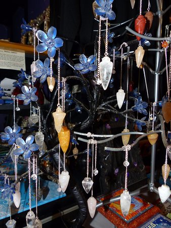 They have a wide variety of pendulums - Picture of Crow