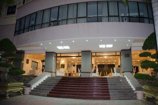 Chau Pho Hotel Photo