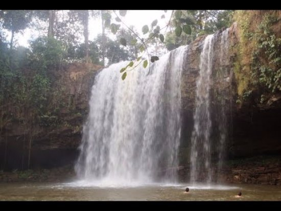 Banlung, Cambodia: A 12 meters high waterfall