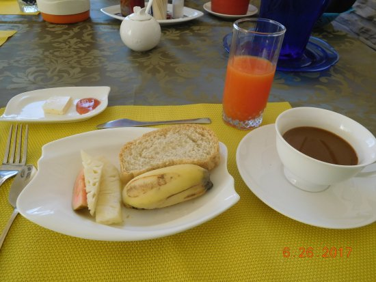 Casa Amada: Breakfast. Two Eggs and a crepe were also included.