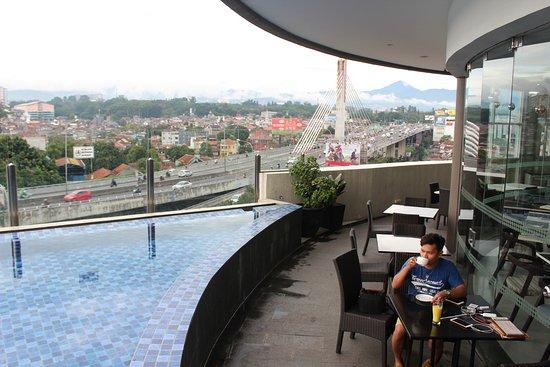 grandia sky lounge bandung restaurant reviews phone number rh tripadvisor com