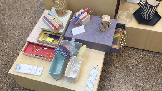 Hamilton, Bermuda: office supplies