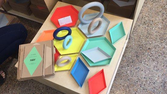 Hamilton, Bermuda: colourful desk trays