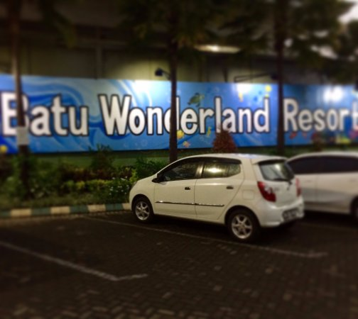 ‪‪Batu Wonderland Hotel & Resort‬: Car Park on Batu Wonderland Resort‬