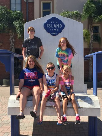 The Strand: Giant Beach Chair
