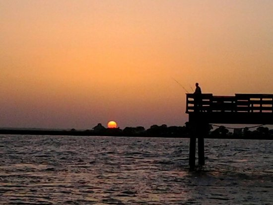 Back River Beach: Pier on back river at Tybee. Sunset fishing.