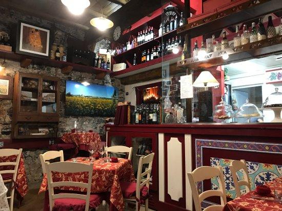 Borgovino: Inside the restaurant.