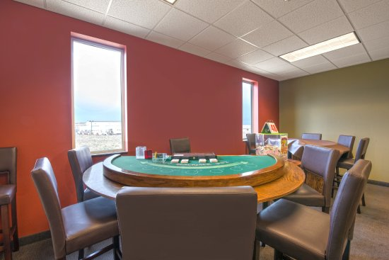 Ramada Williston : Blackjack and Pull Tabs available most evenings.