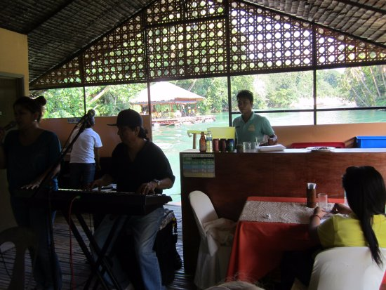 Loboc, Philippines: We loved the music!