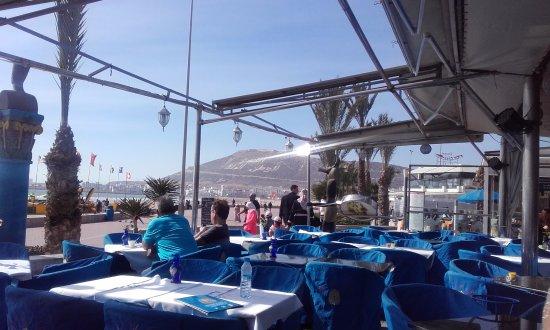 Le Nil Bleu: terrasse au nil bleu