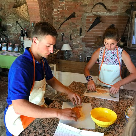 Peccioli, Italia: Very hands on day