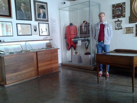 Casa natale di Arturo Toscanini: Gli abiti di scena di alcune sue opere