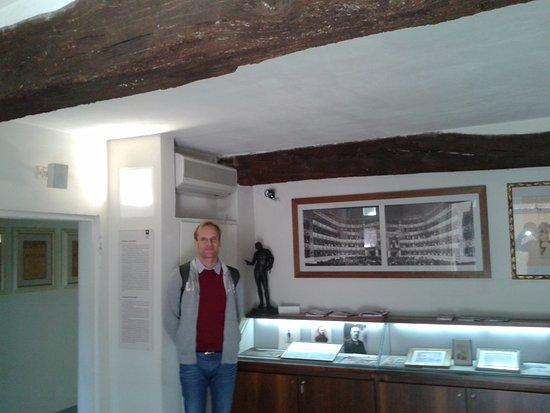Casa natale di Arturo Toscanini: L'entrata della casa