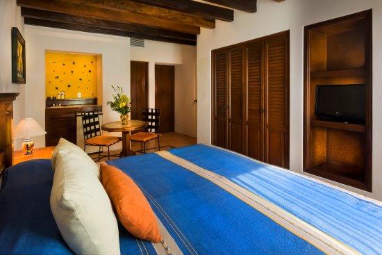 Hotel Lunata: habitación De Luxe  /  De Luxe room  (1 king size bed)