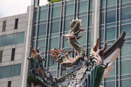 Raffles Place, Singapore: Detalhe do Templo taoista Thiang Hock Keng