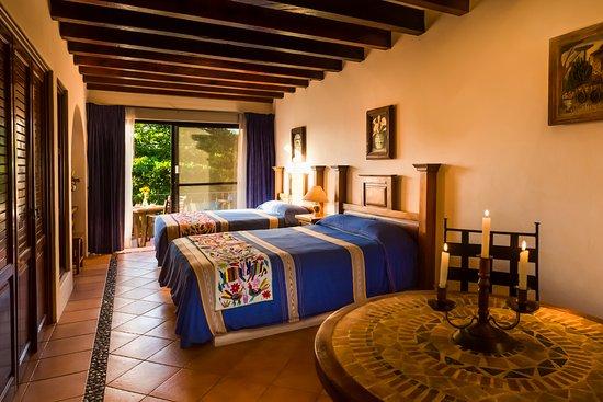 Hotel Lunata: Jr. Suite con 2 camas matrimoniales / Jr. Suite with 2 double beds