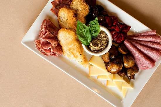 Lahaska, PA: Meat and Cheese Board: Perfect appetizer for two!
