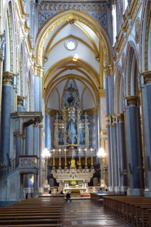 Chiesa di San Domenico Maggiore: Magnificent interior of Basilica San Domenico Maggiore