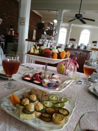 Ridgeway, Carolina del Sur: Laura's Tea Room - Third course tier tray