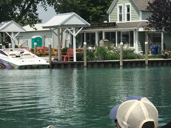 Harsens Island, MI: Approaching the dock to Riverside