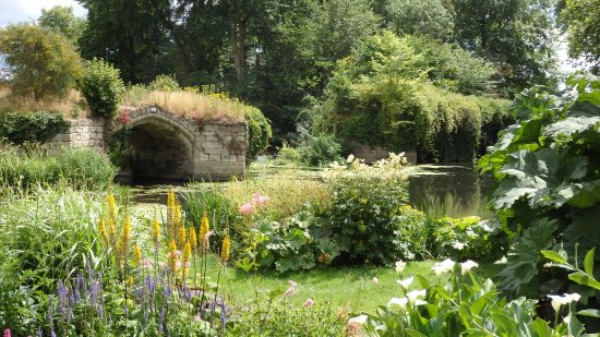The mill garden warwick england top tips before you go for Gardening 4 you warwick