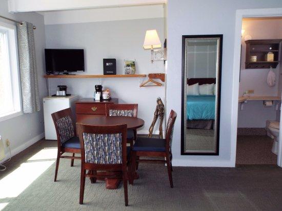 Baileys Harbor, WI: Room 111 has two Queen beds