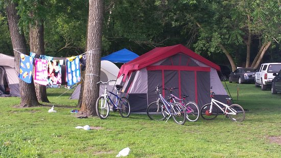 Brodhead, WI: Perfect sized sites for tents and campers