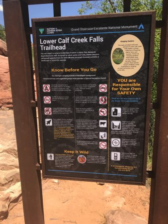 Calf Creek Falls Recreation Area: Trailhead info