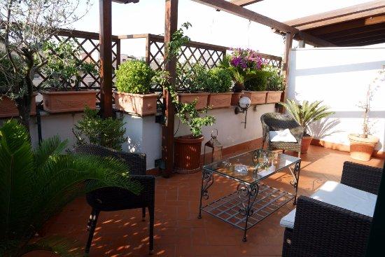Zavtrak V Postel Picture Of Althea Inn Roof Terrace Rome