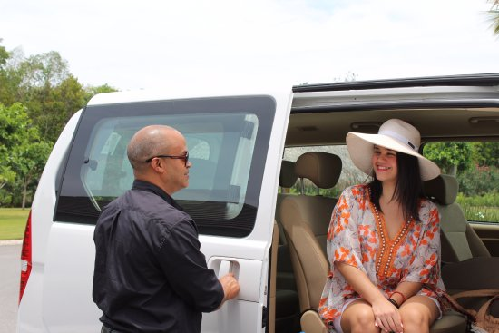 Punta Cana, Dominican Republic: Arrive to Dom.Rep. without worries in a private vehicle with wi-fi and a bilingual driver