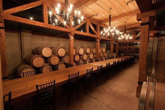 Trius Winery Restaurant: Dinning in the cellar