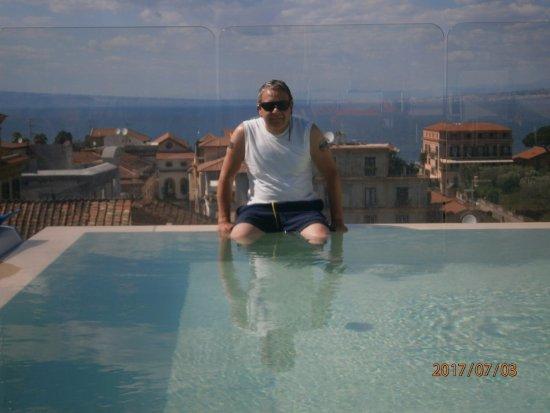 Hotel Plaza: Infinity pool