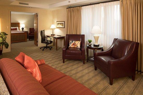 Blacksburg, VA: Executive Suite Sitting Area