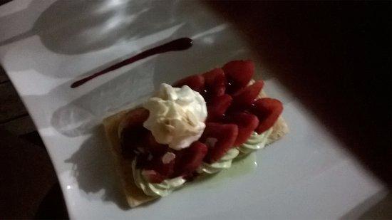 Vouhe, Francja: Feuillantine de fraises