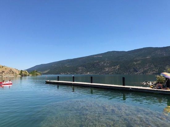 เวอร์นอน, แคนาดา: Kekuli Bay from dock